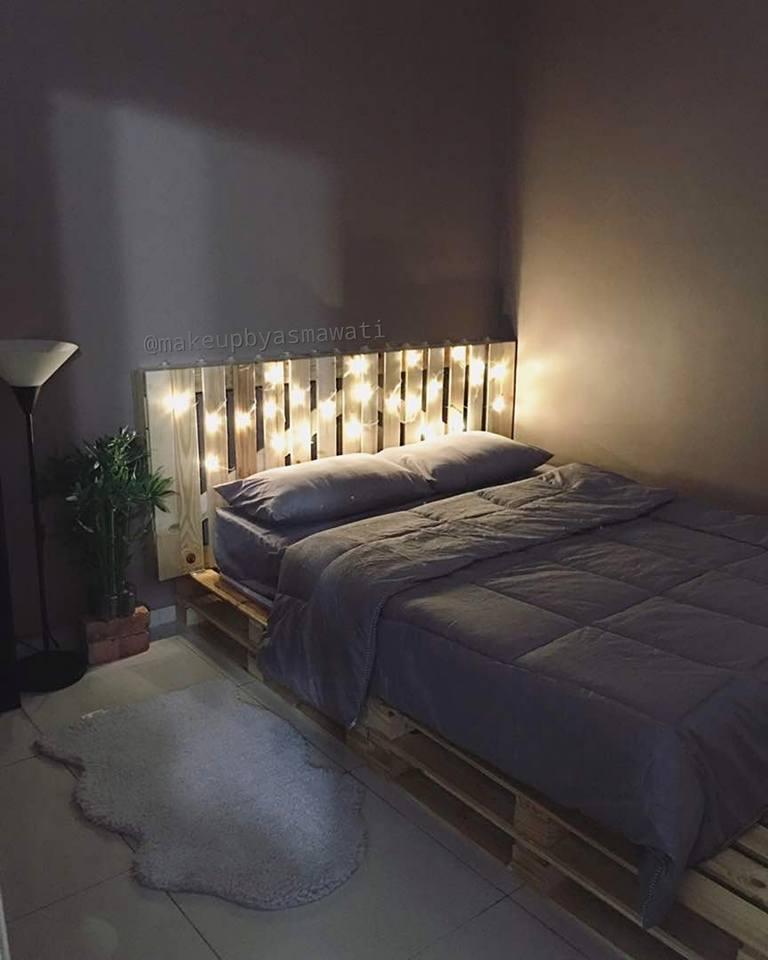 Konsepnya Nak Bagi Guest Tidur Sampai Tak Balik Hijau Mesti Ada Tambah Dengan Wallpaper Bricks Hardpipe Dark Oak Solid Wood