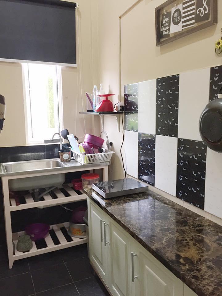 Ruang Memasak Yang Menggunakan Dapur Elektrik